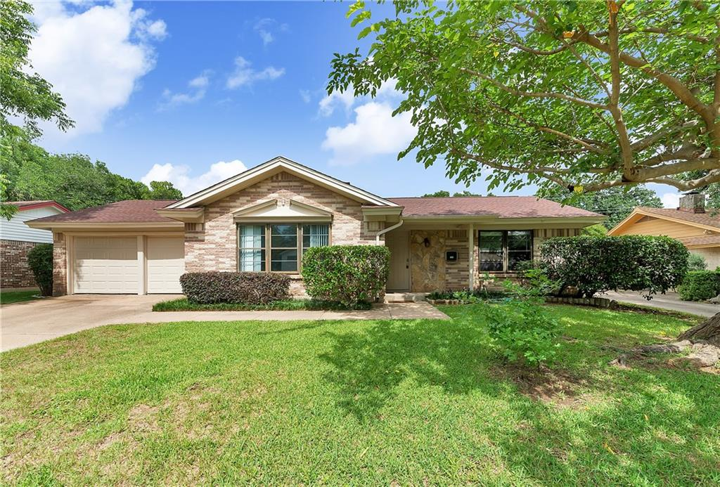 605 Eastcliff Drive, Euless, TX 76040