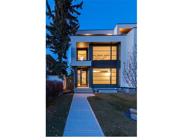1946 50 Avenue SW, Calgary, AB T2T 2W2