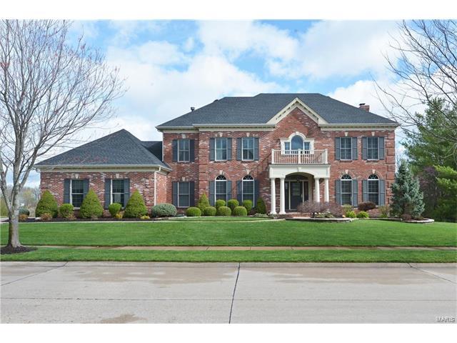 1036 Greystone Manor Parkway, Chesterfield, MO 63005