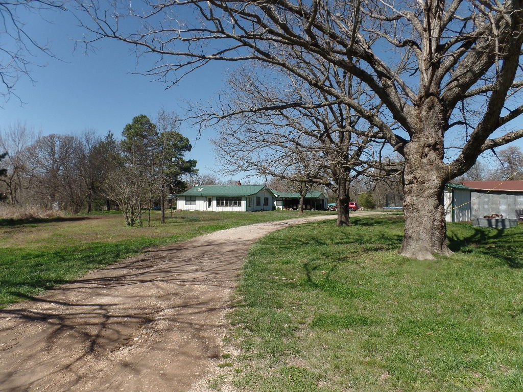56826 710 County RD, Colcord, OK 74338