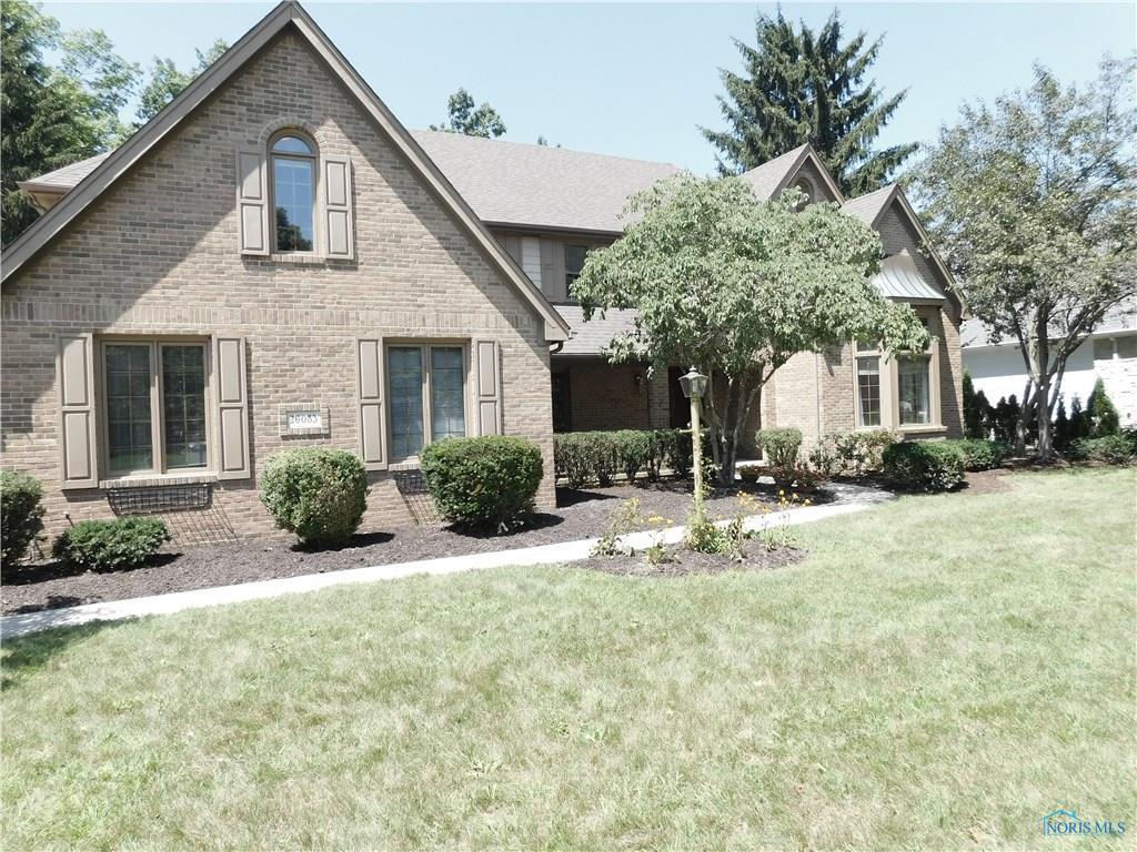 26083 Edinborough Circle, Perrysburg, OH 43551