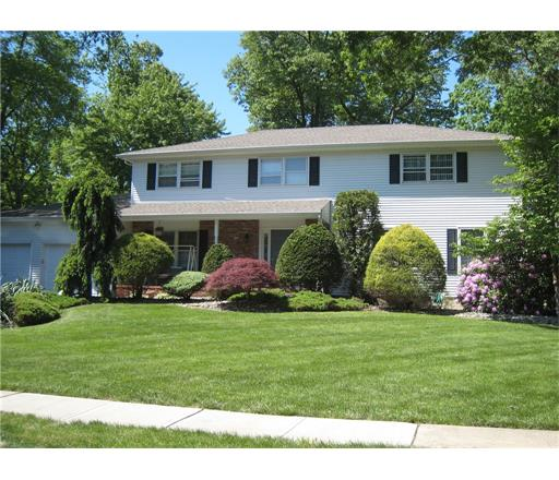 15 Quaker Drive NE, East Brunswick, NJ 08816