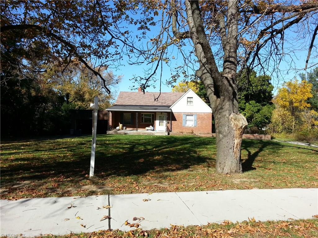 22614 Center Ridge Rd, Rocky River, OH 44116