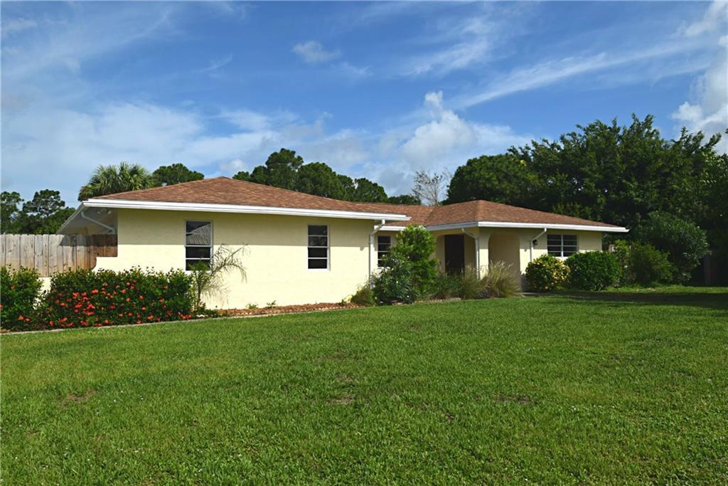 2696 NE CYPRESS Lane, Jensen Beach, FL 34957