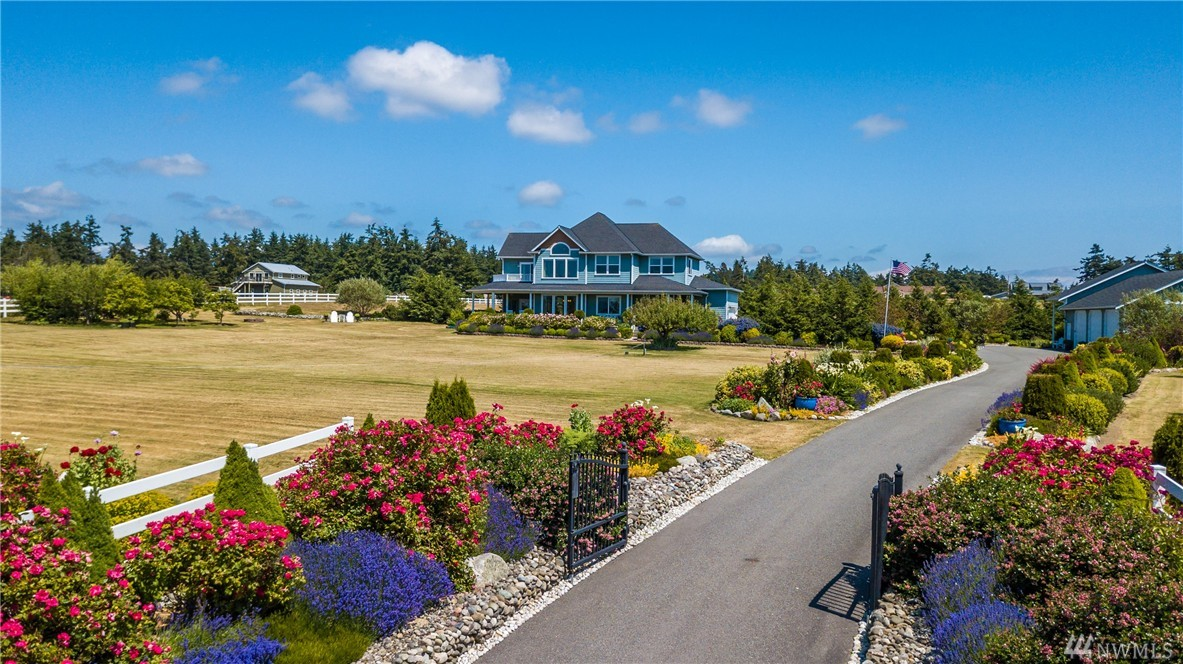 2838 Golf Course Rd, Oak Harbor, WA 98277