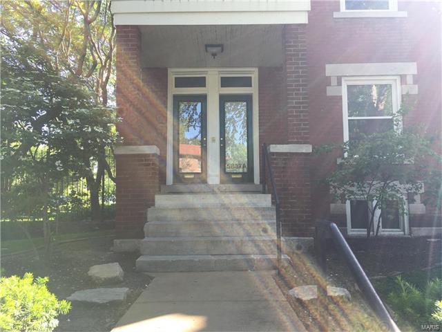 5837 Nina Place, St Louis, MO 63112