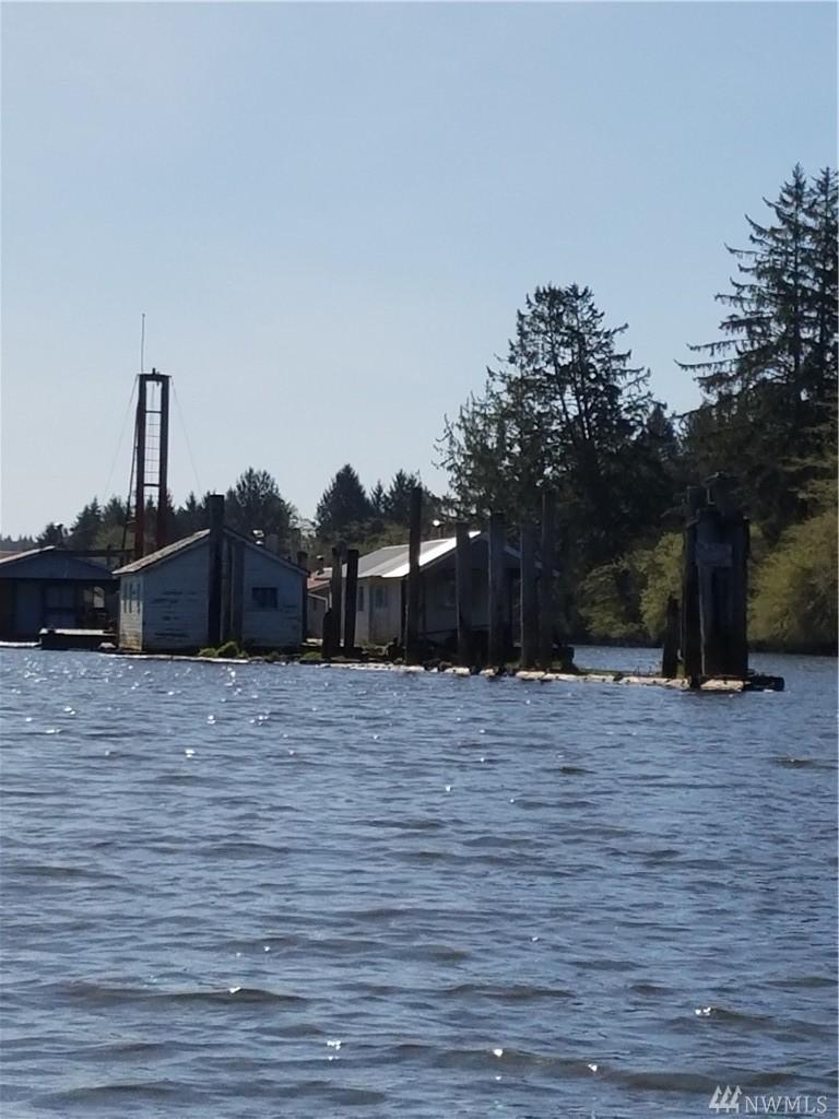 North River Floathouses SR 105, Raymond, WA 98577