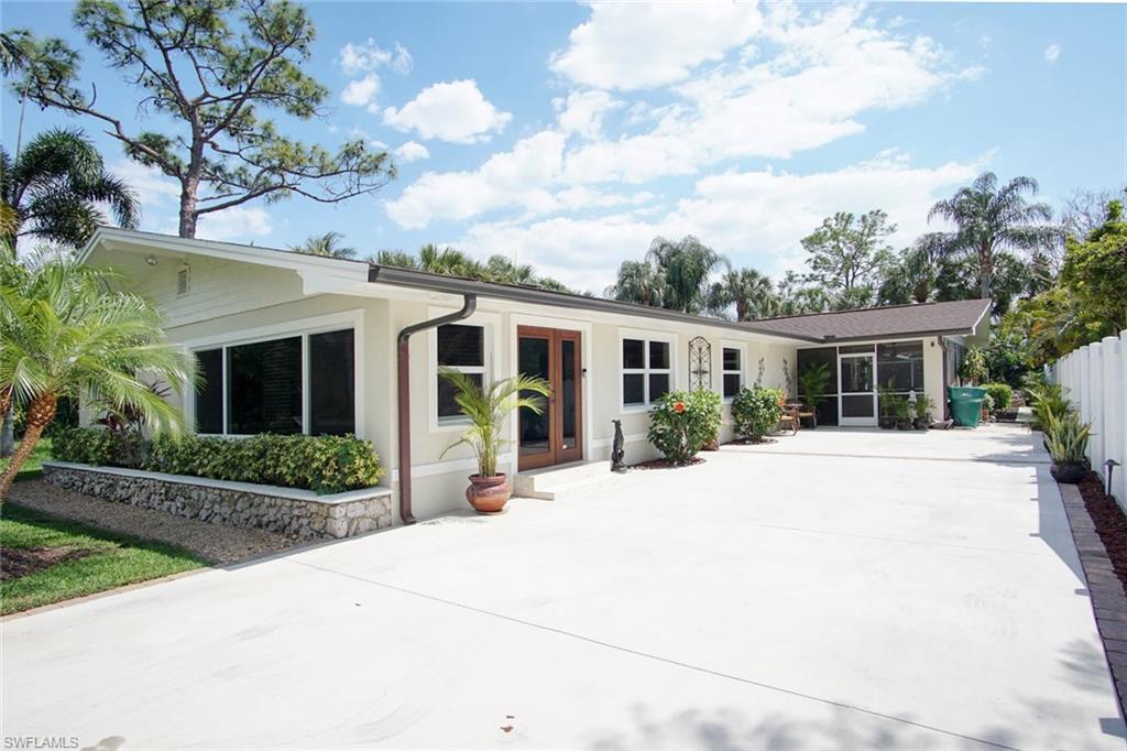 88 Shores AVE, NAPLES, FL 34110