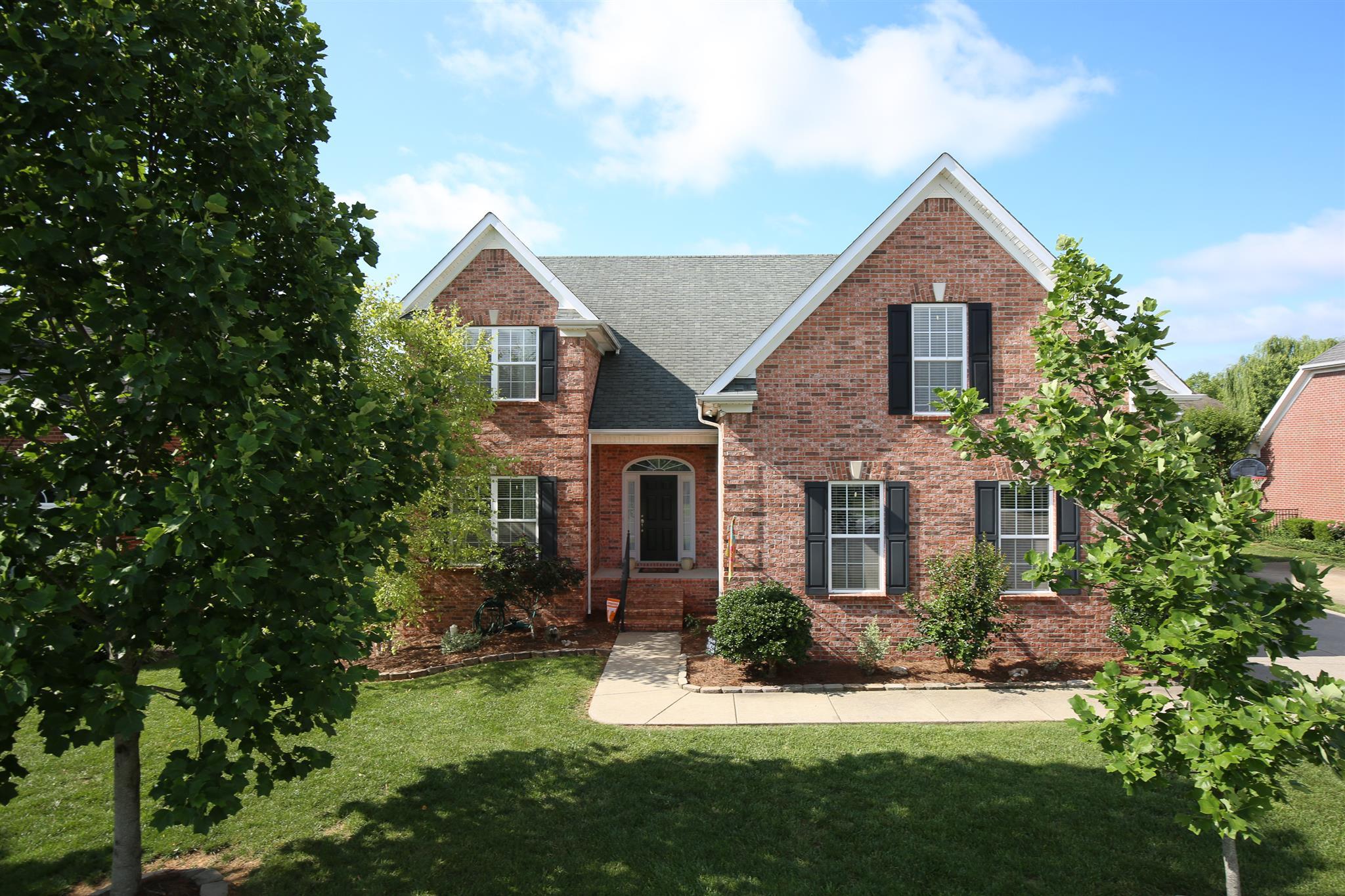 5427 Saint Ives Dr, Murfreesboro, TN 37128