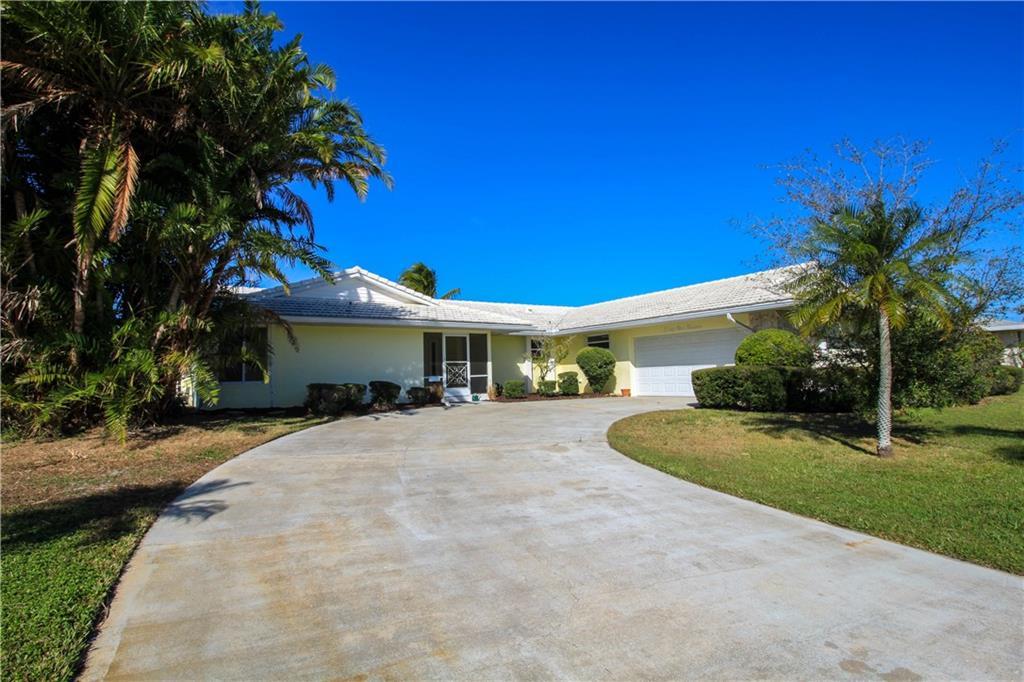 2914 SE Pine Valley Street, Port Saint Lucie, FL 34952