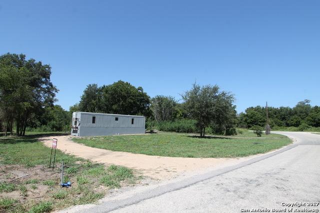 978 COUNTY ROAD 332, Stockdale, TX 78160