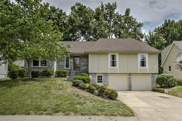 1705 SW New Orleans Avenue, Lee's Summit, MO 64081
