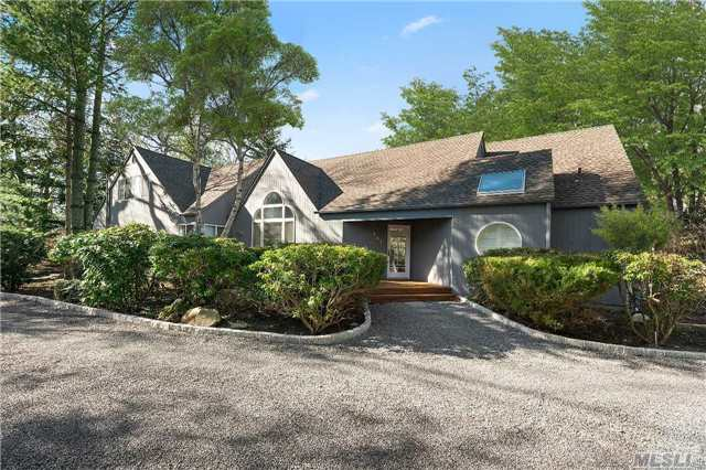 707 Hands Creek Rd, East Hampton, NY 11937