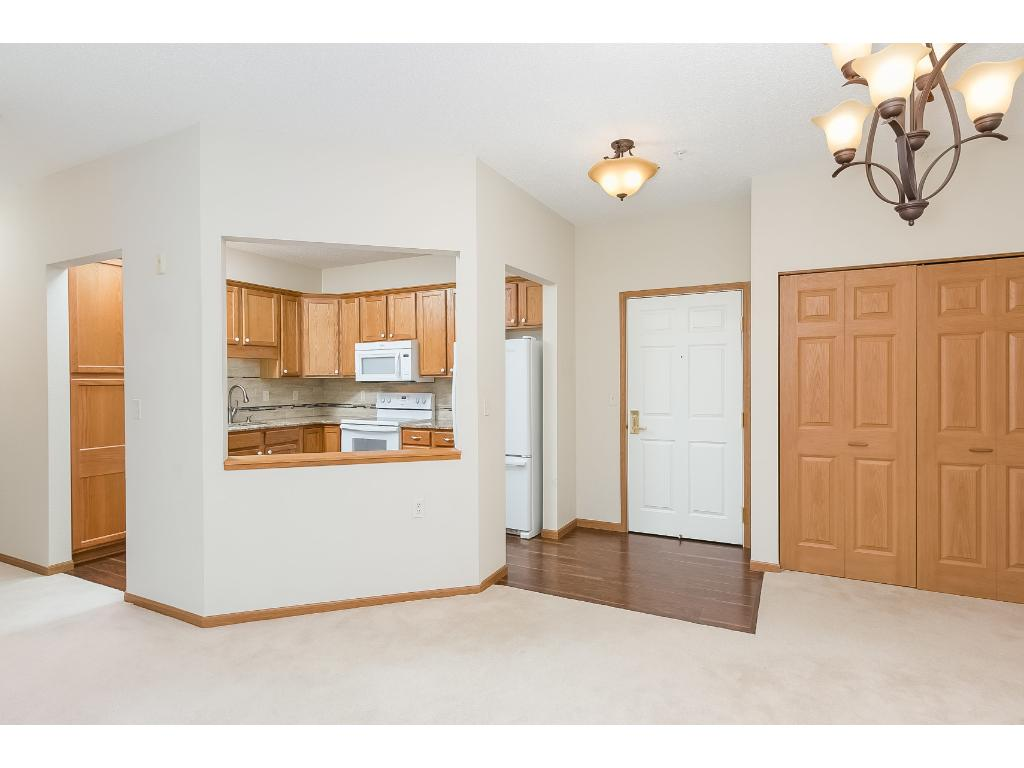 1480 Applewood Court W 226, Roseville, MN 55113