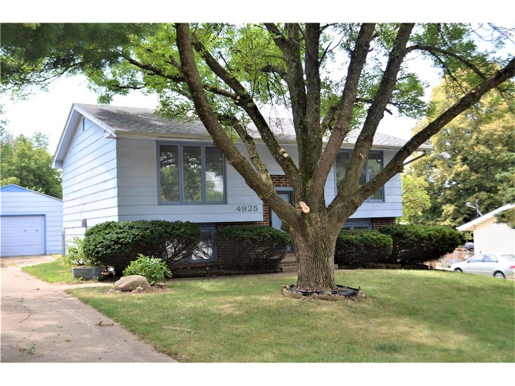 4925 Pine Valley Drive, Pleasant Hill, IA 50327
