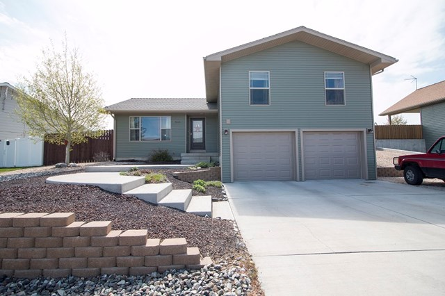 3044 Ishawooa Trail Ave, Cody, WY 82414