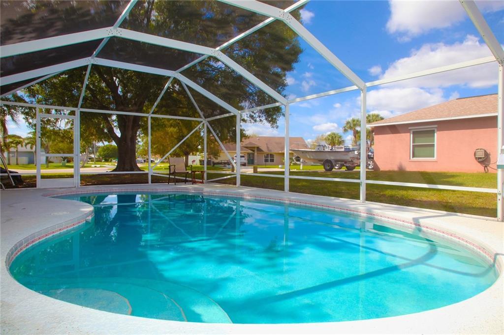 511 NE Zebrina Senda, Jensen Beach, FL 34957