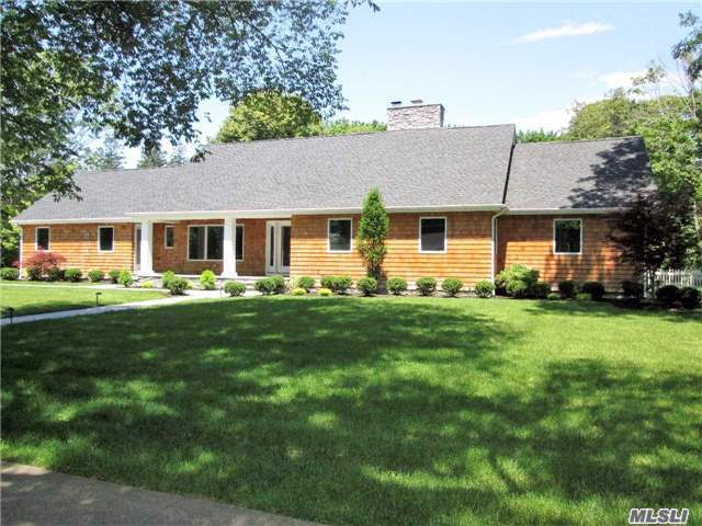 201 S Country Rd, Bellport Village, NY 11713