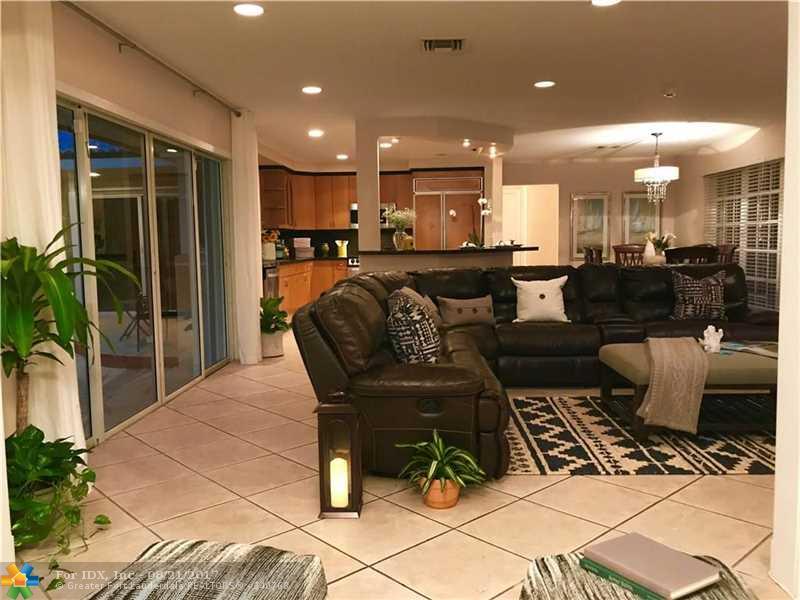 5830 NE 21st Ave, Fort Lauderdale, FL 33308