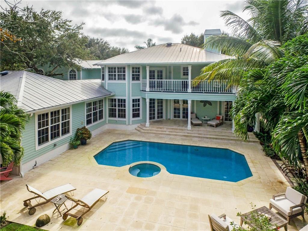 8 NE Lagoon Island Court, Sewalls Point, FL 34996
