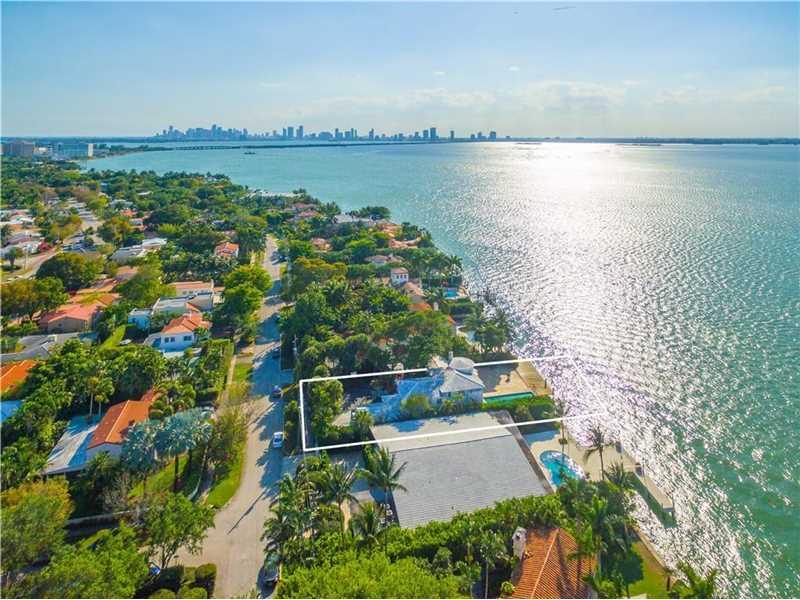 4774 N Bay Rd, Miami Beach, FL 33140