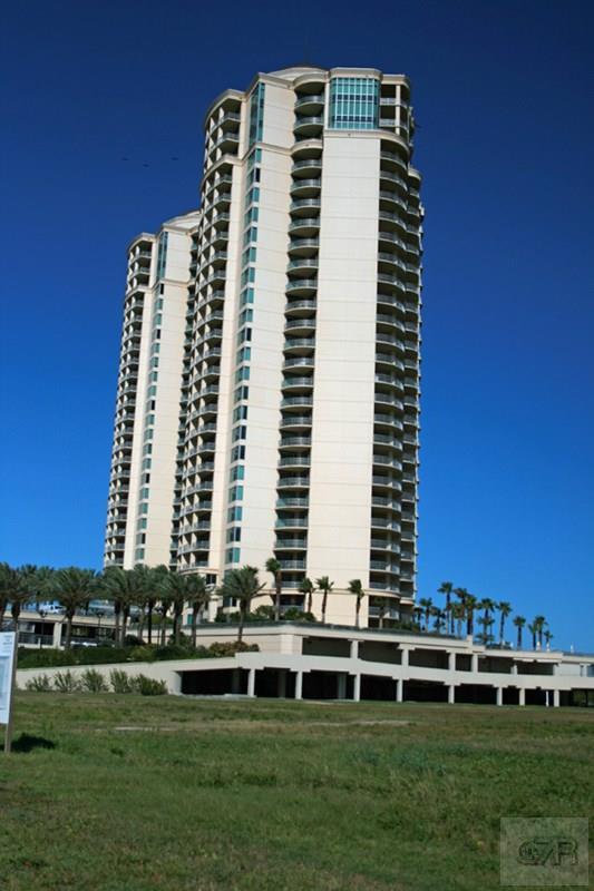801 E Beach Dr, Galveston, TX 77550