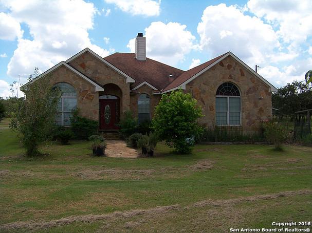 2650 E Chalk Rd, Harwood, TX 78632