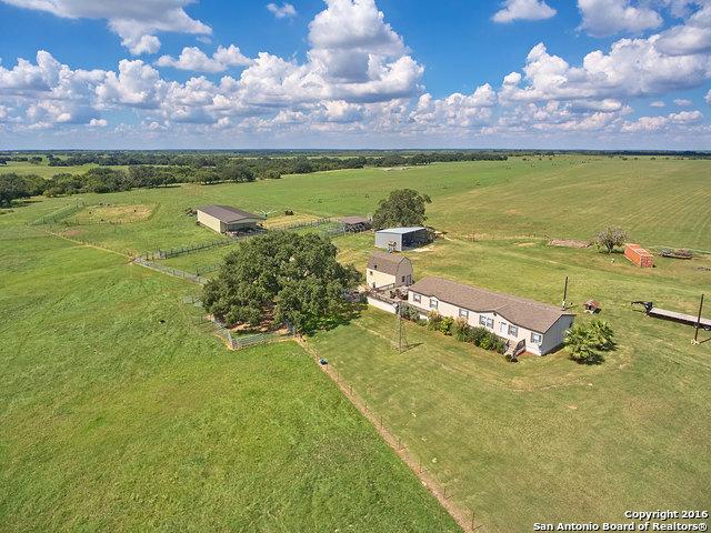405 Tumlinson Rd, Pleasanton, TX 78064