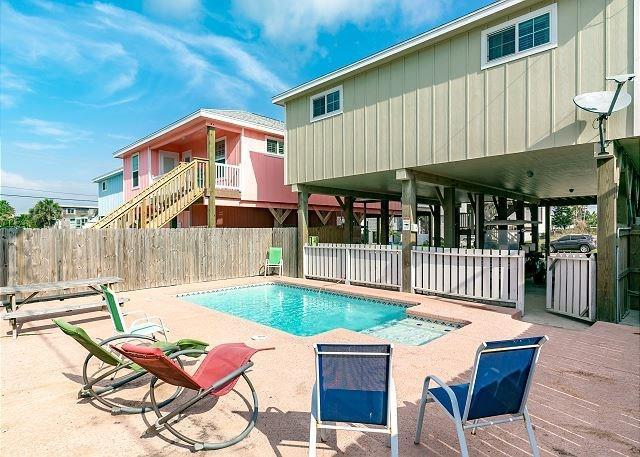 614 Island Retreat Ct, Port Aransas, TX 78373