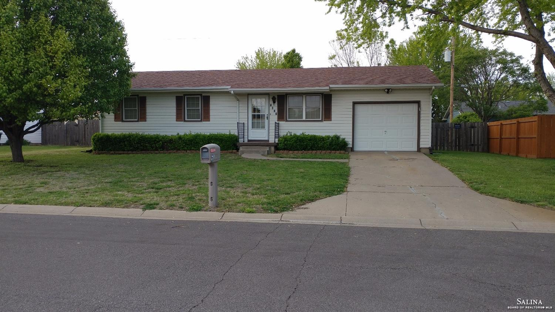 1423 E Beloit Avenue, Salina, KS 67401