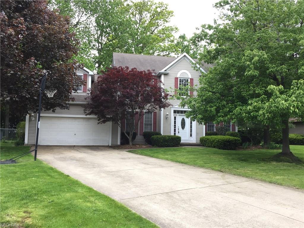 6244 Sandpiper Ln, North Olmsted, OH 44070