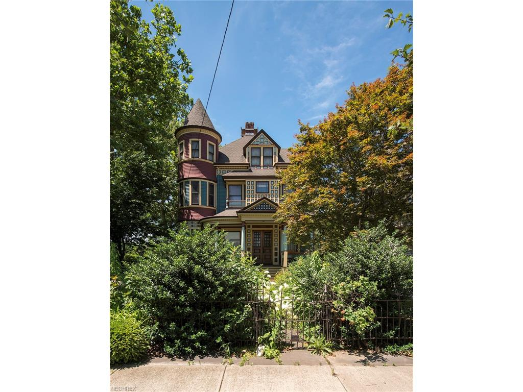 3206 W 14th St, Cleveland, OH 44109