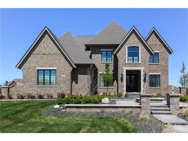 3791 Piccadilly DR, Rochester Hills, MI 48309