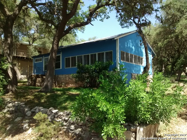 13444 Park Road 37, Lakehills, TX 78063