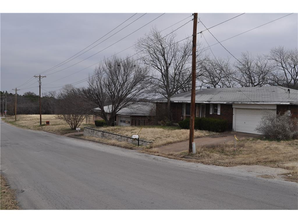 108 N Bowie, Weatherford, TX 76086