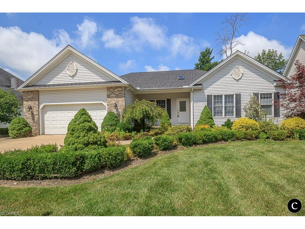 2290 N Bay Dr, Willoughby, OH 44094