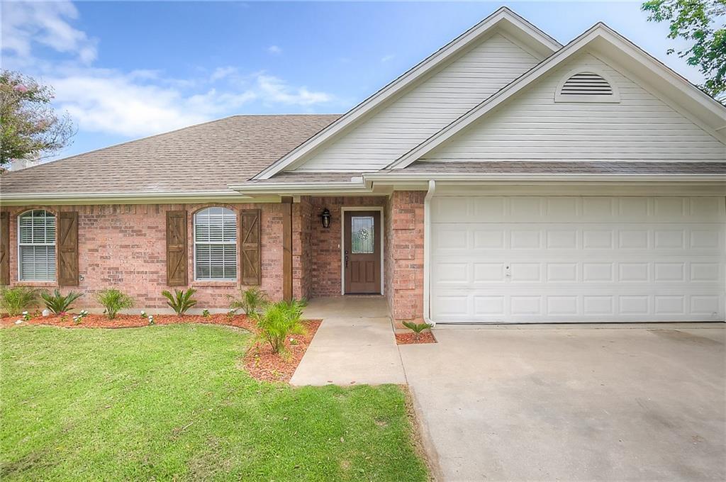 400 W Sherman Drive, Aubrey, TX 76227