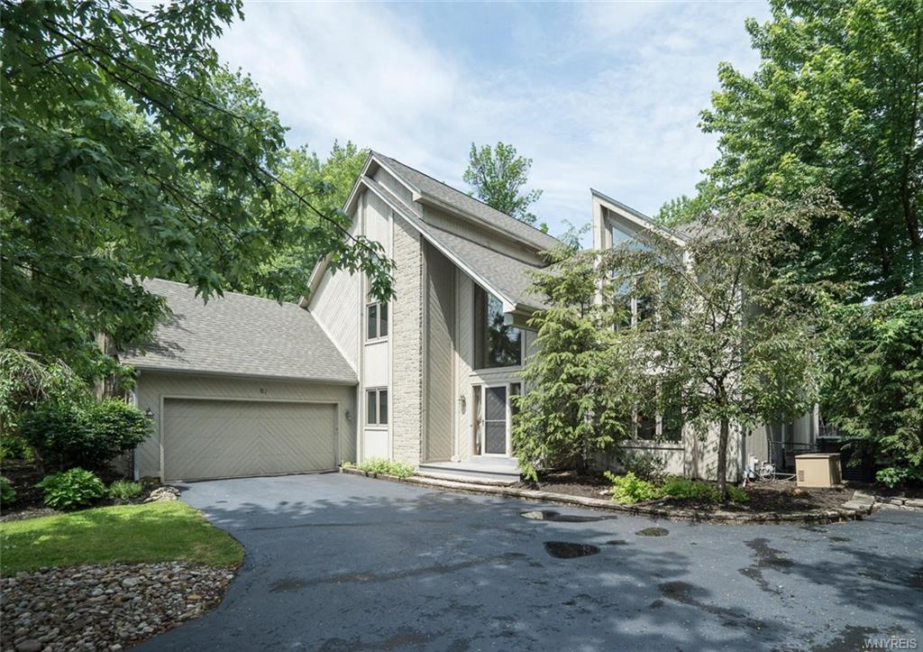 67 Dauphin Drive, Amherst, NY 14221