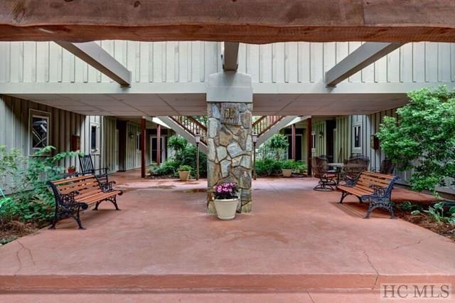 90 Highlands Manor Court 204, Highlands, NC 28741
