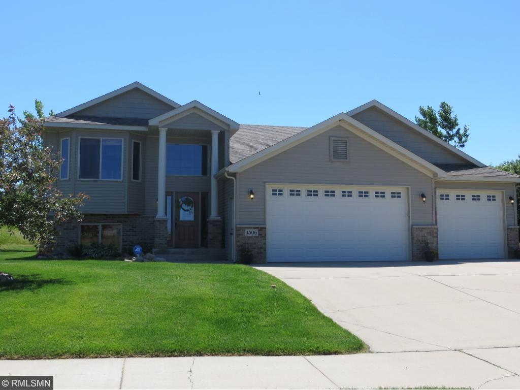 1306 Iris Lane NE, Saint Joseph, MN 56374