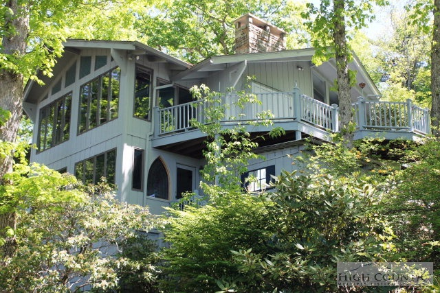 127 Rhododendron Lane, Blowing Rock, NC 28605