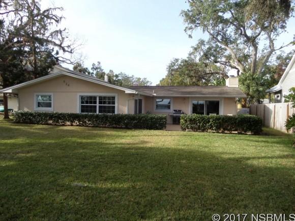 624 Riverside Dr, New Smyrna Beach, FL 32168
