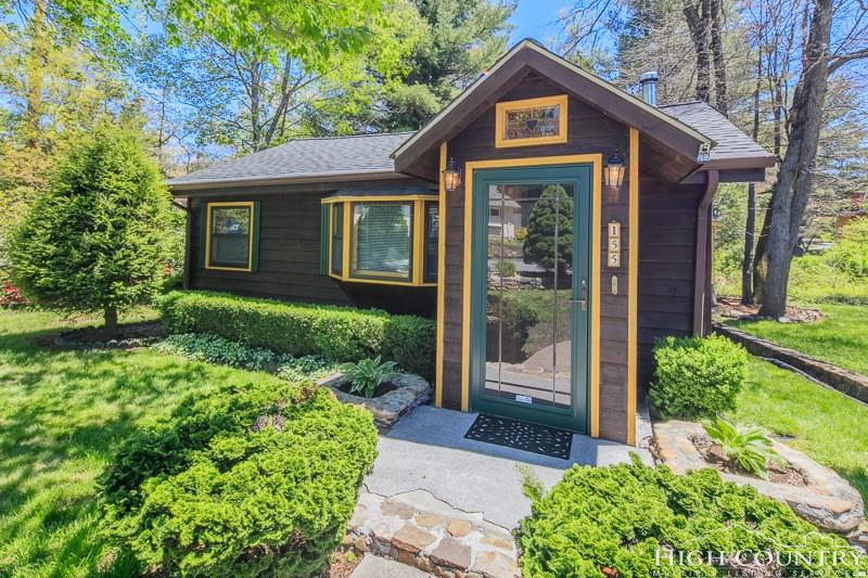 155 Ransom Streets, Blowing Rock, NC 28605