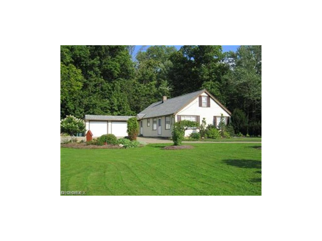 2807 Orchard Dr, Willoughby Hills, OH 44092