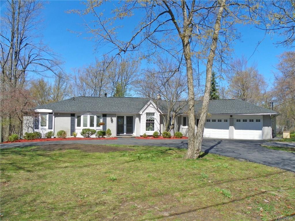 9326 Hunting Valley Road S, Clarence, NY 14031