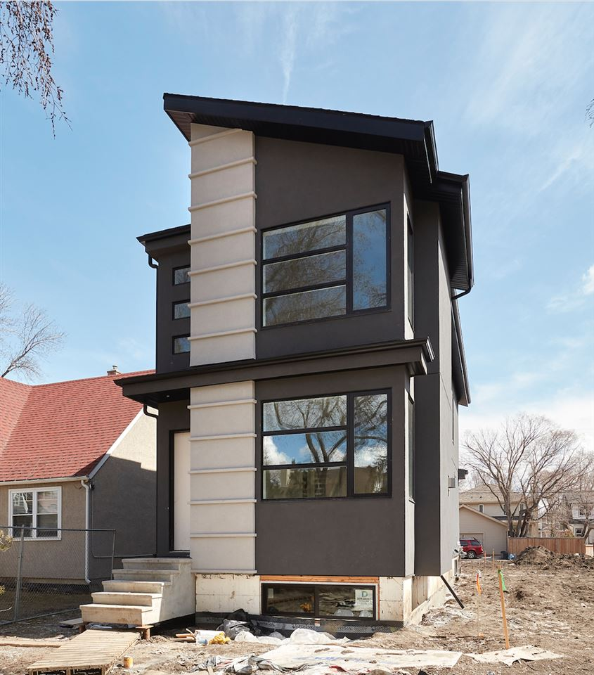 10435 140 Street, Edmonton, AB T5N 2L8