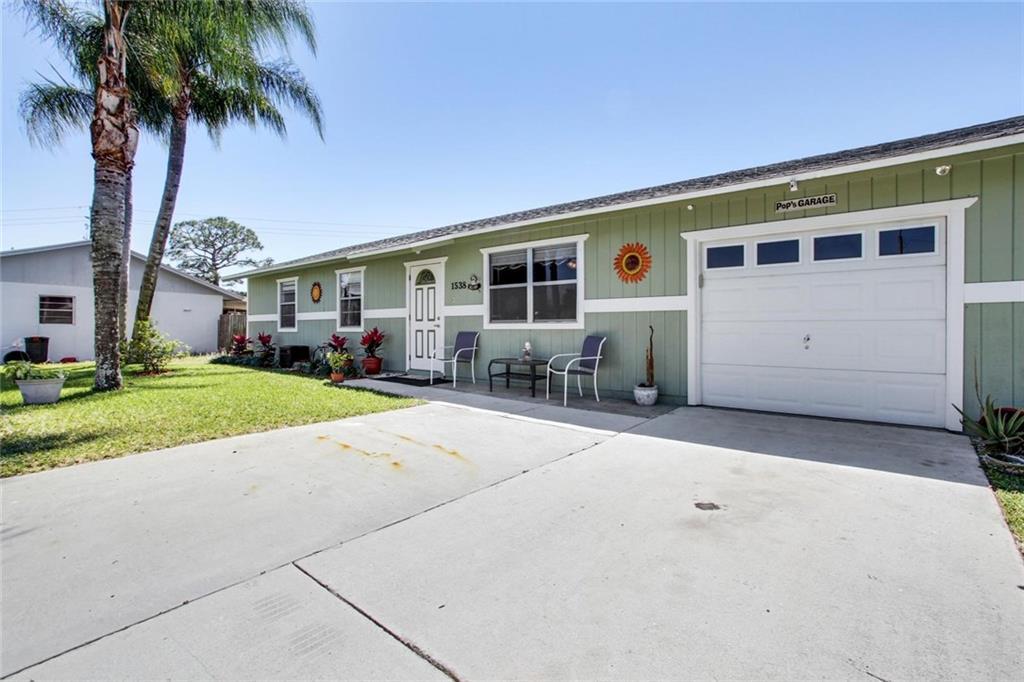 1538 NE 21st Terrace, Jensen Beach, FL 34957