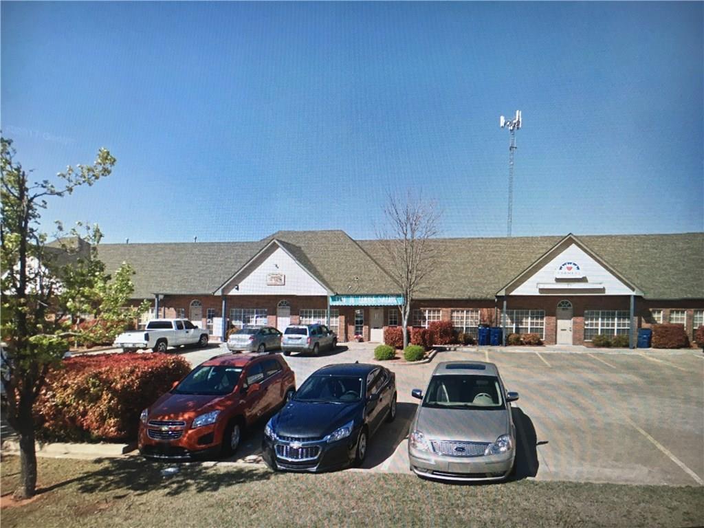 109 S Castle Rock Lane, Mustang, OK 73064