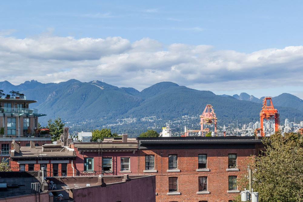 55 E CORDOVA STREET 402, Vancouver, BC V6A 0A5