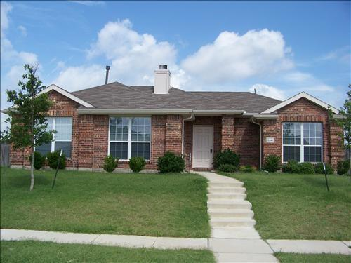 2041 HARVESTER Drive, Rockwall, TX 75032